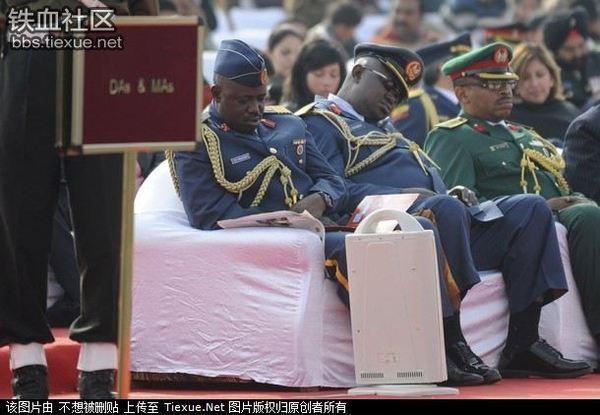 ▽唸声の面白写真/インド:陸軍...