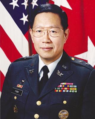 □唸声米国/中国人初の米軍少将...